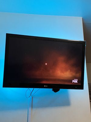 "LG TV 55"" / FLAT SCREEN TV / ROKU TV for Sale in Phoenix, AZ"