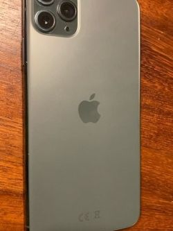 iPhone 11 Unlocked With Box for Sale in Fairmont,  WV