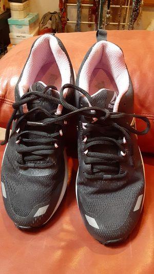 Women's 8.5 Reebok tennis shoes for Sale in Overland Park, KS