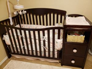 Crib with changing table for Sale in Granbury, TX