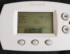 Honeywell TH6110D1005 Programmable Thermostat FocusPRO 6000 5-1-1 Day 1H/1C. for Sale in Adelphi, MD