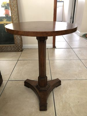 Antique solid wood side table for Sale in Tampa, FL