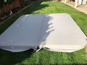 Hot Tub Cover 8x8 and Rocker arm 6 Months Old for Sale in Livermore, CA