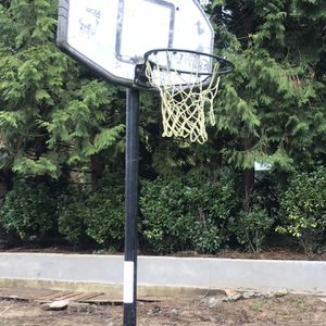 Portable Basketball Hoop. for Sale in Portland, OR