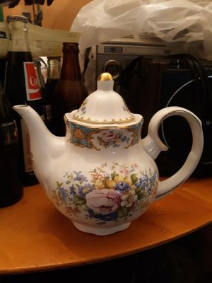 """Godinger antique reflection teapots 7 1/2 high 9"""" for Sale in Forest Heights, MD"""
