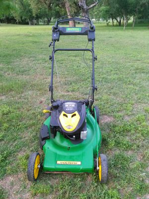 John Deere 6.75 horsepower self-propelled lawn mower works absolutely great guaranteed to turn on on first pull for Sale in San Antonio, TX