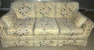 FLORAL PRINT SOFA for Sale in Wichita, KS