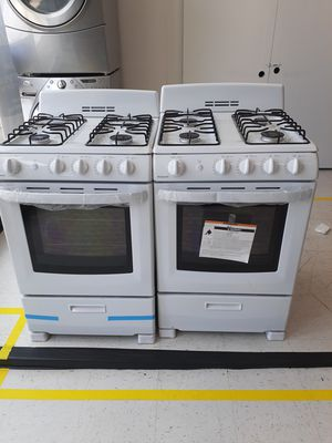Hotpoint gas stoves new scratch and dents with 6 months warranty for Sale in Mount Rainier, MD