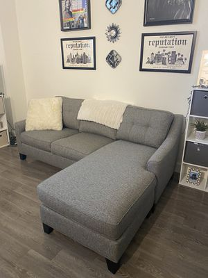 Beautiful & Like New - Cindy Crawford Adjustable Sectional Couch!!! for Sale in West Palm Beach, FL