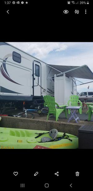 2012 33ft Keystone Laredo Travel Trailer for Sale in Cohasset, MA