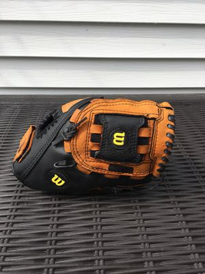 Wilson Child's Baseball Glove for Sale in Dearborn Heights, MI