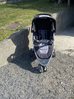 Chico Varo Stroller - Lightly Used for Sale in Seattle,  WA