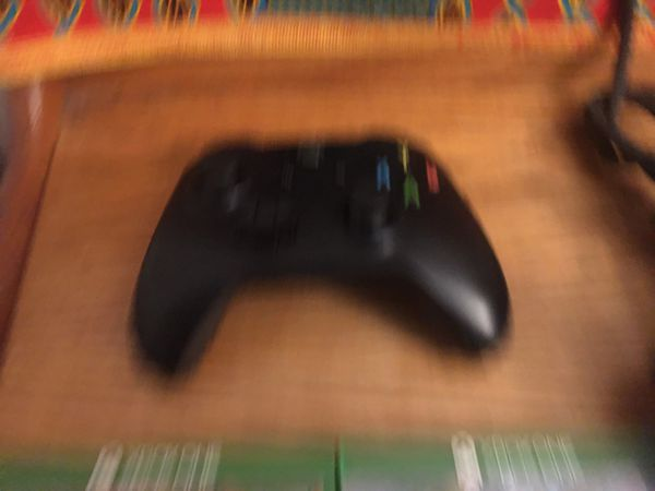 Xbox One w Controller & 2 Games