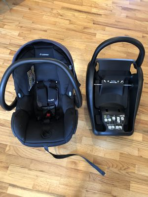 Maxi-Cosi 30 Car seat with base for Sale in Bellevue, WA