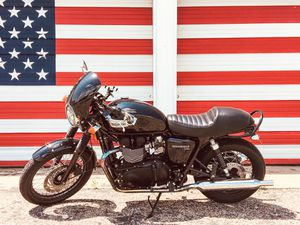 TRIUMPH MOTORCYCLE for Sale in Friendswood, TX