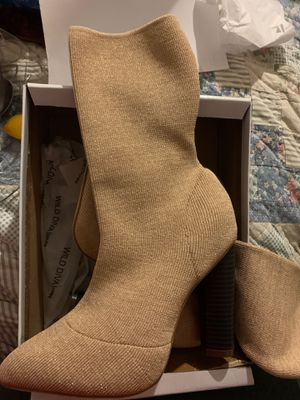 Women's pull on heel boots size 7.5 for Sale in Eastvale, CA