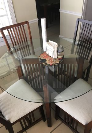 Kitchen table and chairs for Sale in Homestead, FL