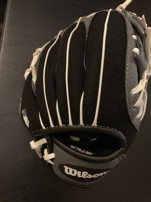 Kids baseball glove for Sale in Covina, CA