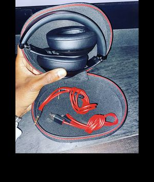 RED AND BLACK WIRELESS BEATS for Sale in Broomfield, CO
