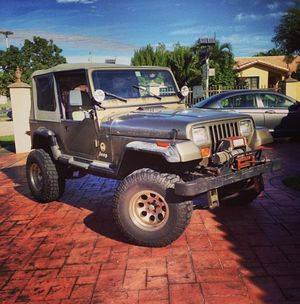 1988 Jeep Wrangler Sahara edition for Sale in Miami, FL
