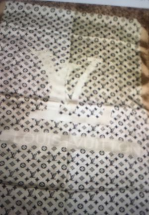 NWT authentic Louis Vuitton monogram telling stole for Sale in Montvale, NJ