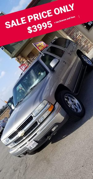 2001 CHEVY SUBURBAN PRICE IS FIRM for Sale in Riverside, CA
