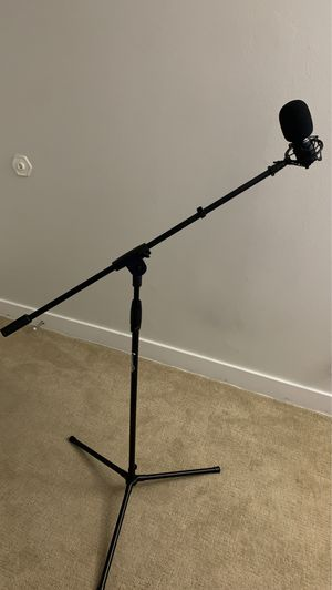 Amazon basic microphone stand for Sale in Los Angeles, CA
