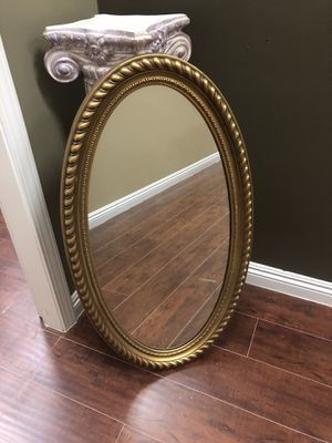 Antique Gold Oval Mirror for Sale in San Marcos, CA