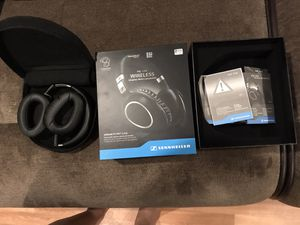 Sennheiser PXC 550 Wireless Noise Canceling Headphones for Sale in Pomona, CA