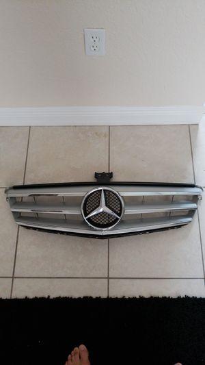 09 C Class Mercedes Grill for Sale in Saint Petersburg, FL