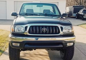 Great body TOYOTA TACOMA 01 Great Interior! for Sale in Baltimore, MD