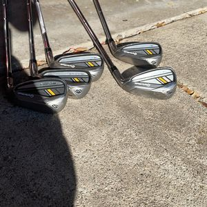 Golf Clubs Taylormade Set for Sale in San Gabriel, CA