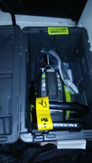 Ryobi 2-cycle 16-inch gas chainsaw for Sale in Chula Vista, CA