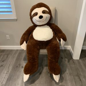 GIANT SLOTH STUFFED ANIMAL for Sale in Fullerton, CA