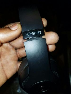 Black wireless beats Bluetooth studio's for Sale in Fresno, CA