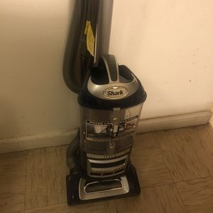 Shark-navigator Lift Away Bagless Upright Vacuum (blue) NV360 for Sale in Bakersfield, CA
