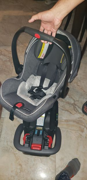 Graco infant car seat with base for Sale in Brooklyn, NY