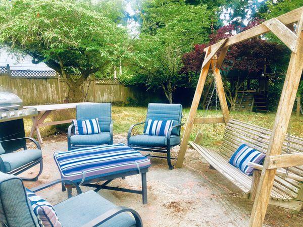 Wood porch swing ( u haul )