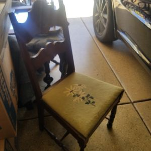 Antique MAHOGANY SALON CHAIR WITH HAND EMBROIDERED TAPESTRY SEAT for Sale in Murrieta, CA