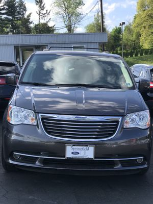 2016 Chrysler Town & Country Wagon Mini Van Dodge for Sale in West Deptford, NJ