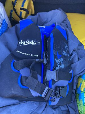 HO SPORTS YOUTH LIFE VEST - VERY GOOD CONDITION! for Sale in San Marcos, CA