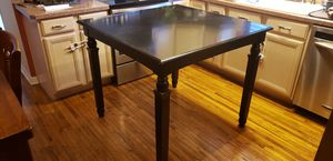 High top kitchen table w/ four stools for Sale in Clearwater, FL
