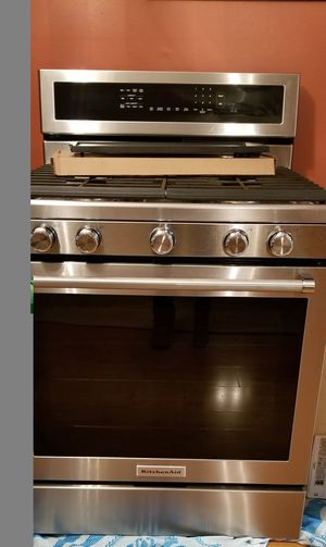Kitchenaid stove for Sale in MONTGOMRY VLG, MD