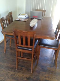 Real wood table with 6 chairs for Sale in Tacoma,  WA