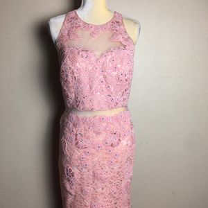 Anny Lee Prom Dress Melon Pink Size L for Sale in Southwest City, MO