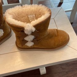 Koolaburra By UGG for Sale in Holly Springs,  NC