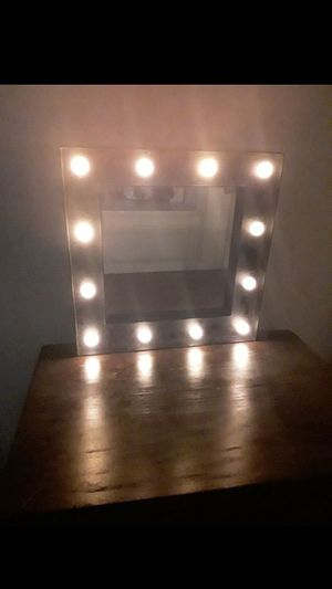Battery operated mirror with light 12×12 for Sale in Los Angeles, CA