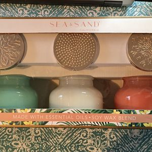 Sea & Sand Soy Blend Candles Kit Of 3 Candles (New) for Sale in Ruston, WA
