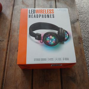 (NEW) LED Wireless headphones for Sale in San Diego, CA