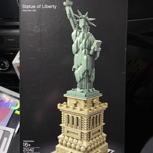 LEGO ARCHITECHURE STATUE OF LIBERTY for Sale in Boring, OR